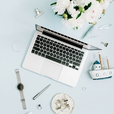 Best Books And Courses On How to Start a Blog